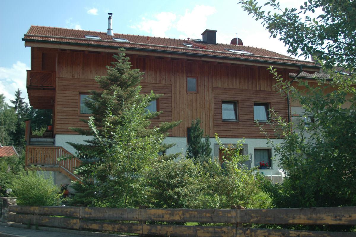 Sitz des Unternehmens in Samerberg-Essbaum (Landkreis Rosenheim, Oberbayern)
