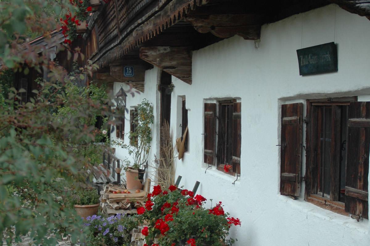 Altbausanierung an einem denkmalgeschützten Gebäude in Oberbayern
